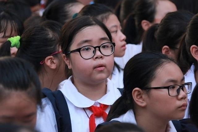 Hà Nội dừng tuyển sinh hệ song bằng lớp 6: Loạt vấn đề đặt ra khiến những phụ huynh có con đang theo học đứng ngồi không yên - Ảnh 3.