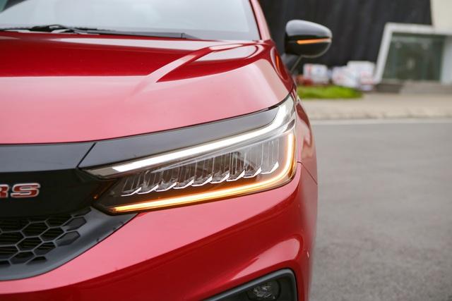 Đánh giá Honda City 2021 – Tiểu Accord lấy gì đấu Hyundai Accent và Toyota Vios? - Ảnh 4.