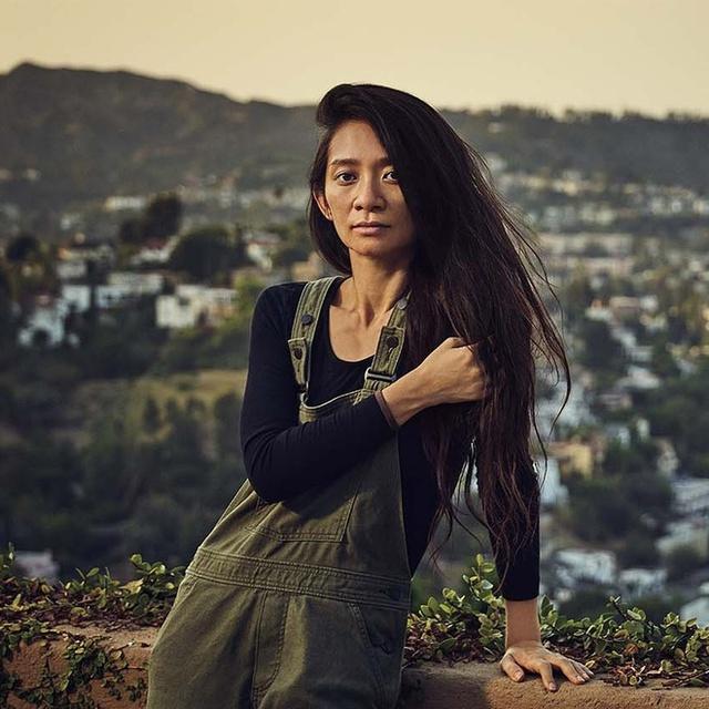 """Nữ đạo diễn gốc Á đầu tiên đoạt giải Oscar: Người phụ nữ không bao giờ trang điểm đang làm """"chấn động"""" giới điện ảnh thế giới - Ảnh 2."""