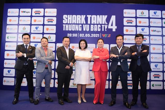 Lộ diện dàn cá mập Shark Tank mùa 4: Shark Dzung vắng mặt, Shark Phú và Shark Louis Nguyễn trở lại - Ảnh 1.