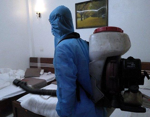 GĐ Sở Y tế Yên Bái: Nhân viên khách sạn dương tính với SARS-CoV-2 không có khả năng lây nhiễm ra cộng đồng - Ảnh 1.