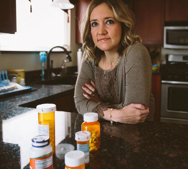 Tâm sự của nữ cựu phát thanh viên phải đối mặt với bệnh về đường ruột trong nhiều năm, thậm chí bỏ việc để có cuộc sống bình thường - Ảnh 1.