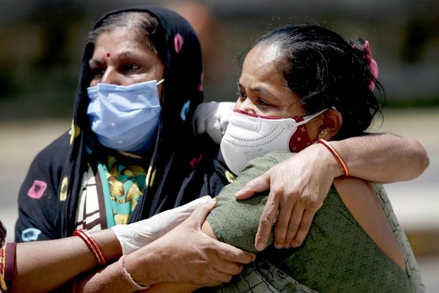 Lời khẩn cầu của bác sĩ Ấn Độ khi cứ 1 tiếng có 117 người tử vong vì Covid-19 - Ảnh 1.