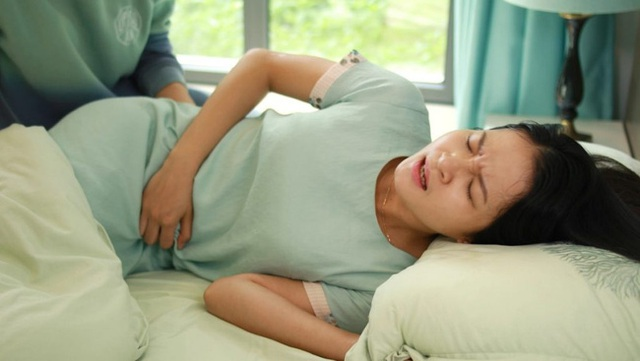 Hệ tiêu hóa đang lên tiếng kêu cứu nếu cơ thể xuất hiện 5 dấu hiệu sau: Điều số 3 ai cũng thường bỏ qua - Ảnh 1.