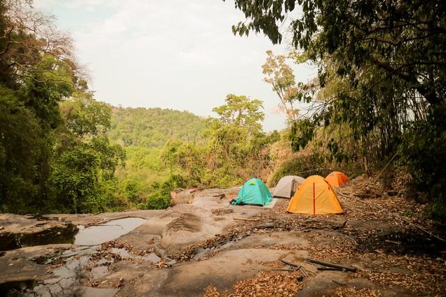 Các gia đình Hà Nội, Sài Gòn muốn đi camping trong phạm vi 300km thì đừng bỏ lỡ loạt địa điểm từ núi tới biển quá đẹp này, sẵn sàng cho kỳ nghỉ 30/4, 1/5 thật chill thôi nào! - Ảnh 21.