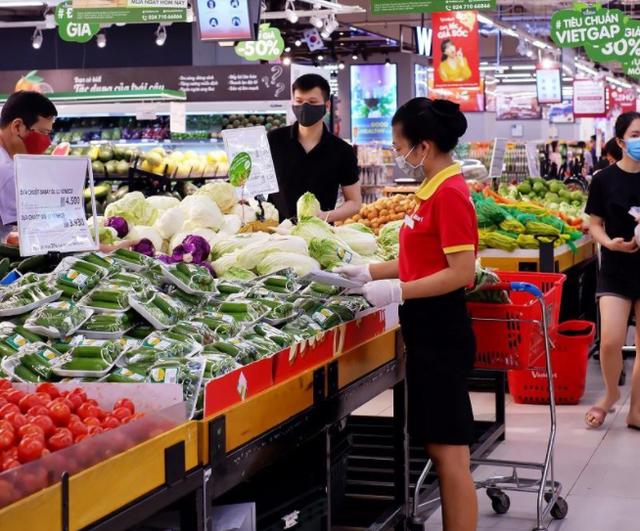 Nielsen: Số người tiêu dùng mua sắm online tại Việt Nam tăng lên 25% kể từ khi dịch bùng phát - Ảnh 2.