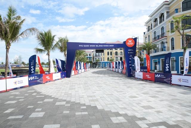 Giải chạy Phú Quốc WOW Island Race 2021: khung cảnh tuyệt đẹp cùng thời tiết mát mẻ làm không khí càng sôi động - Ảnh 4.