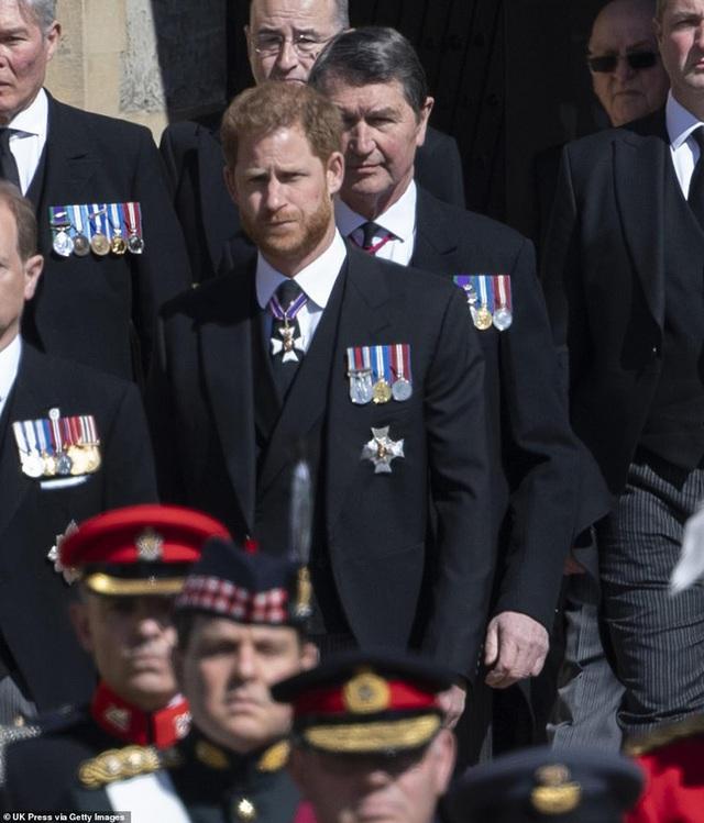 Sau tang lễ Hoàng tế Philip, dùng đủ mọi chiêu trò nhưng Meghan nhận cái kết đắng ngắt trong khi Harry bị đổ lỗi nhiều nhất - Ảnh 1.