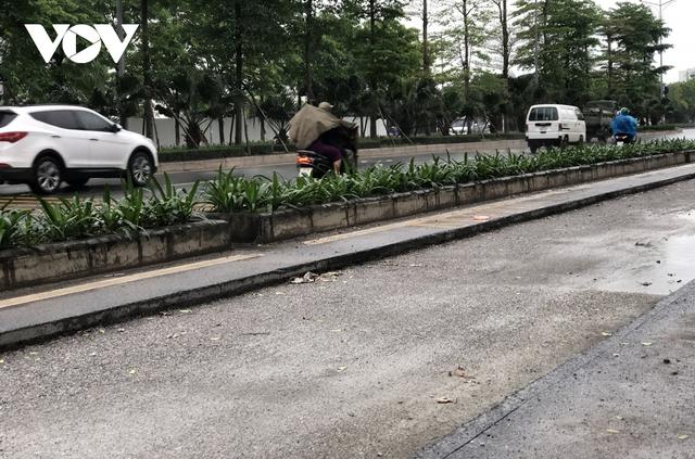 Đường nghìn tỷ ở Hà Nội vừa xong, mặt đường đã bị bóc lên gây lãng phí - Ảnh 3.