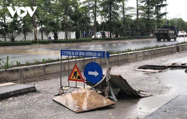 Đường nghìn tỷ ở Hà Nội vừa xong, mặt đường đã bị bóc lên gây lãng phí - Ảnh 4.