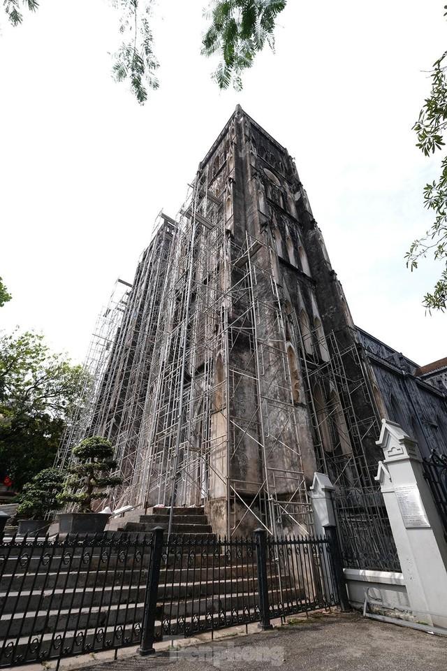 Nhà thờ Lớn Hà Nội trước ngày khoác áo mới  - Ảnh 4.