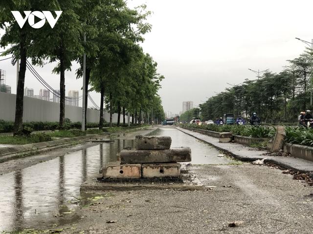Đường nghìn tỷ ở Hà Nội vừa xong, mặt đường đã bị bóc lên gây lãng phí - Ảnh 9.