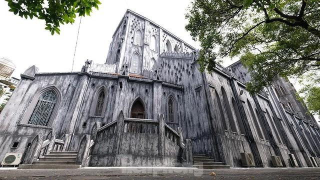 Nhà thờ Lớn Hà Nội trước ngày khoác áo mới  - Ảnh 10.