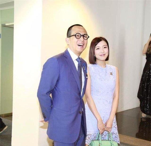 Cuộc sống người tình kém 26 tuổi của thiếu gia giàu nhất Hong Kong: Chim hoàng yến xa hoa bậc nhất nhưng không danh không phận - Ảnh 8.