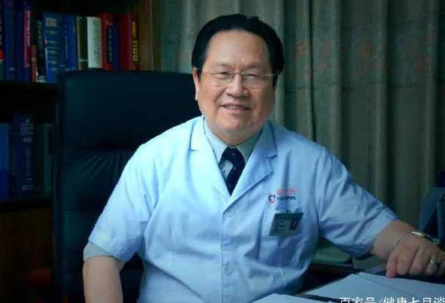Mắc ung thư gan 15 năm vẫn sống khỏe mạnh, Giám đốc bệnh viện Ung bướu 81 tuổi tiết lộ 3 sự thật ít người biết về ung thư - Ảnh 1.