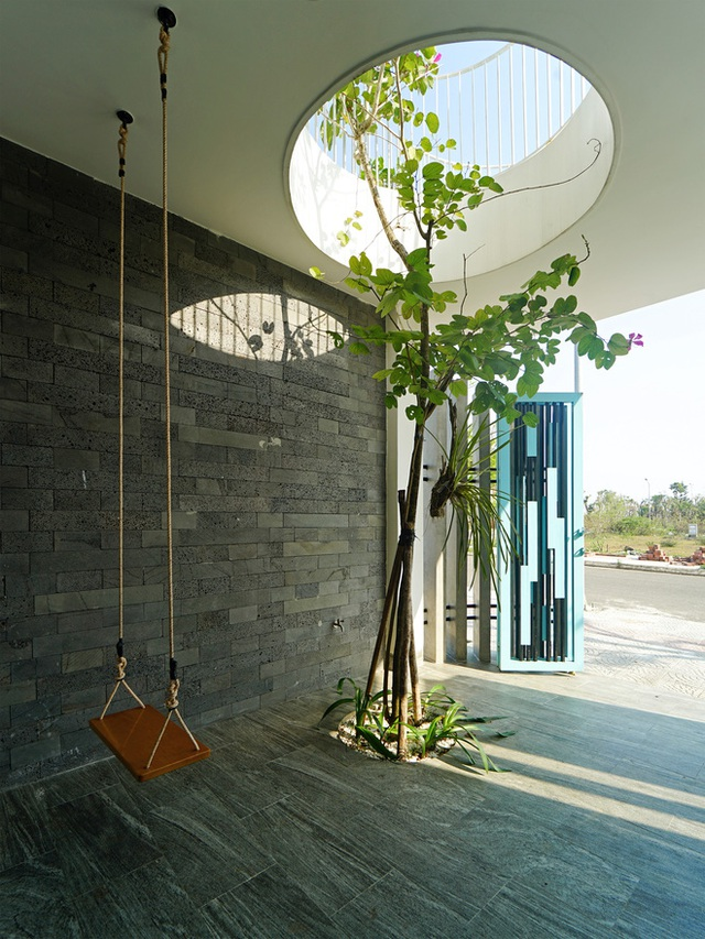 Sở hữu lô đất có vị thế đẹp, vợ chồng Đà Nẵng xây ngôi nhà nhỏ nhưng xuất sắc đến mức lên cả báo Mỹ - Ảnh 13.