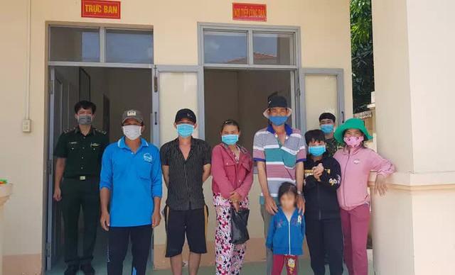 Phát hiện 8 đối tượng từ Campuchia nhập cảnh trái phép vào An Giang  - Ảnh 1.