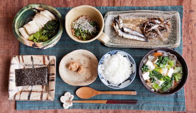 Nhật Bản có một tỉnh mệnh danh là vùng đất của người sống thọ nhất thế giới: Bí quyết của họ là 4 kiểu ăn uống mà ai cũng có thể học theo - Ảnh 4.