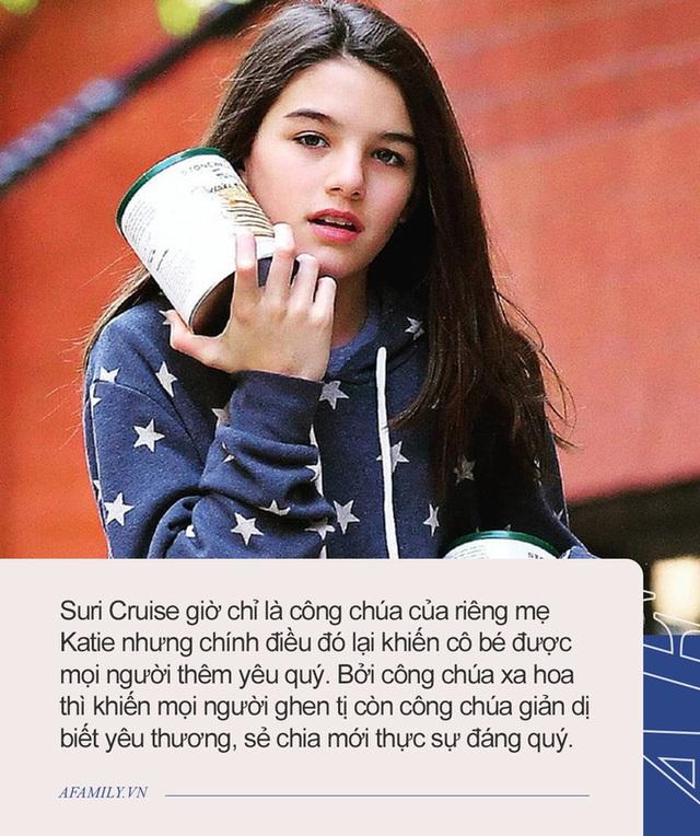 Suri Cruise ở tuổi 15: Mặt xinh, eo thon như hoa hậu, không còn ông bố đại gia chống lưng nhưng lại được yêu mến vì cách dạy của mẹ - Ảnh 8.