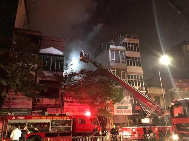Vụ cháy ở cửa hàng sơ sinh: Có một lối đi duy nhất, 4 nạn nhân tử vong trên tầng tum  - Ảnh 1.