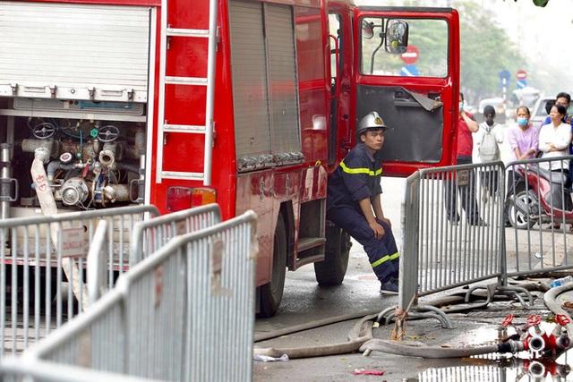 [ẢNH] Hiện trường vụ cháy cửa hàng bán đồ trẻ em khiến 4 người trong gia đình tử vong - Ảnh 12.