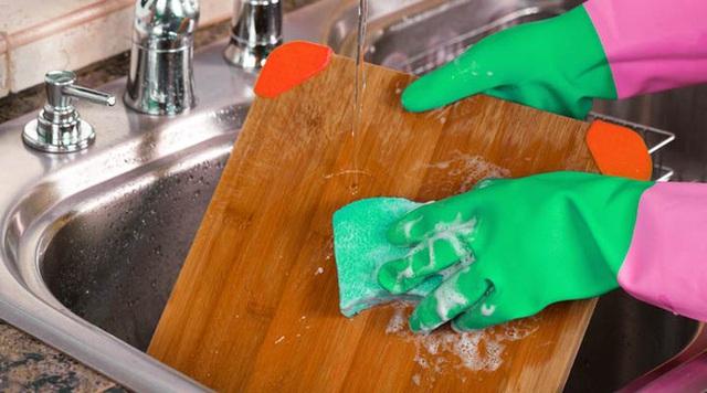 3 nơi mất an toàn nhất trong bếp được giáo sư dinh dưỡng gọi tên: Sát thủ của sức khỏe là đây - Ảnh 4.