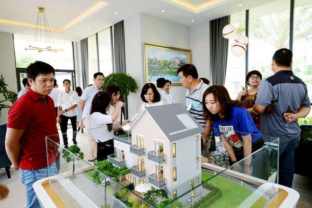 Giá BĐS tăng mạnh khiến giấc mơ mua nhà của người dân có nhu cầu ở thực ngày càng xa vời - Ảnh 1.