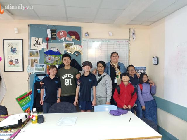 Bà mẹ ở Hà Nội dạy tiếng Anh cho con đạt IELTS 7.5 từ lớp 9: Trẻ học ngoại ngữ trong giai đoạn 5-10 tuổi là dễ nhất! - Ảnh 2.