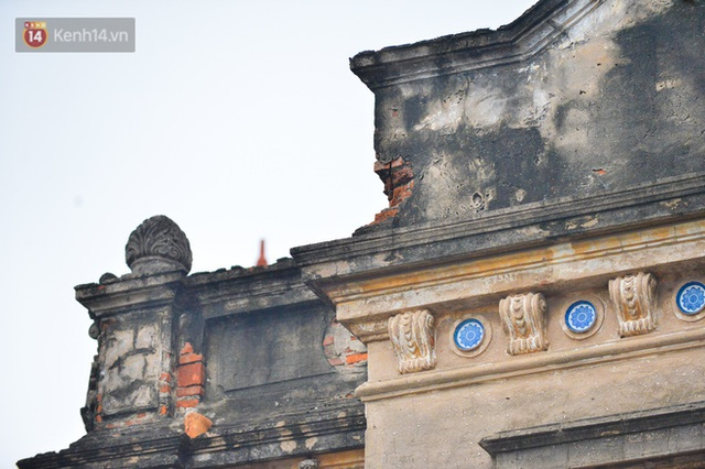 A close-up of a 100-year-old French villa of a once famous vermicelli village in Hanoi - Photo 14.