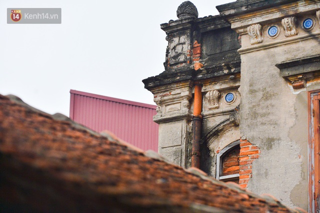 A close-up of a 100-year-old French villa of a once famously famous vermicelli village in Hanoi - Photo 23.