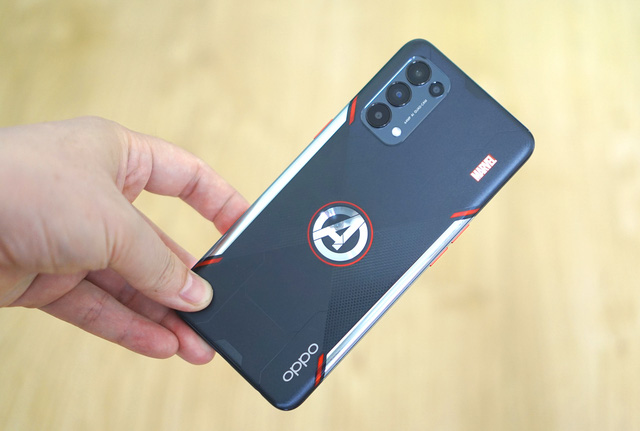 Nếu là fan Marvel, bạn không thể bỏ qua chiếc điện thoại giá 10 triệu này - Ảnh 11.