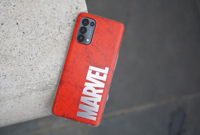 Nếu là fan Marvel, bạn không thể bỏ qua chiếc điện thoại giá 10 triệu này - Ảnh 6.