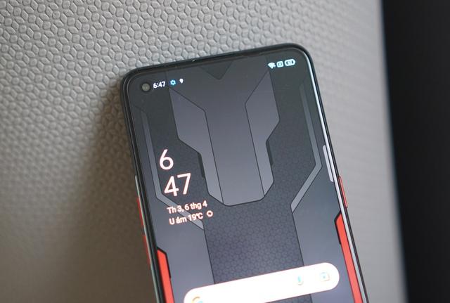 Nếu là fan Marvel, bạn không thể bỏ qua chiếc điện thoại giá 10 triệu này - Ảnh 9.