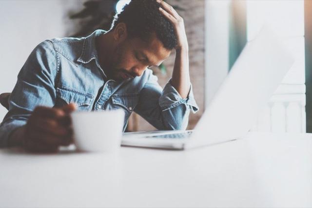 Dấu hiệu bạn đang uống cà phê quá nhiều: Khi nào nên cắt giảm? - Ảnh 1.