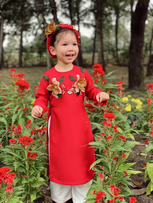 Sau 1 năm cho con đi học sớm, vợ chồng siêu mẫu Hà Anh hạnh phúc vì bé Myla bộc lộ nhiều tài năng, kiếm được tiền khi mới 3 tuổi nhờ page thời trang riêng - Ảnh 2.