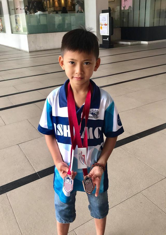 Hội Alpha Kid con nhà gia thế khủng showbiz Việt bé nào chân cũng dài miên man, tất cả là nhờ cha mẹ cho tập môn thể thao này - Ảnh 12.