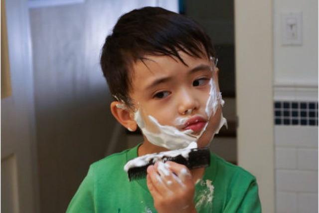Tình trạng trẻ dậy thì sớm tăng gấp 35 lần so với 10 năm trước: Cảnh báo dấu hiệu dậy thì sớm ở bé trai mà bố mẹ Việt dễ bỏ qua - Ảnh 3.