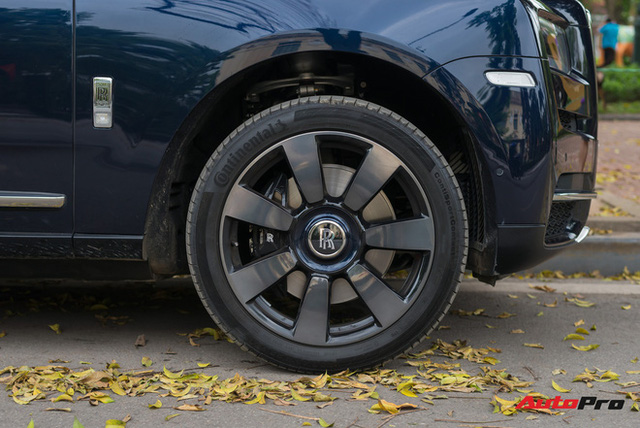 Đây là cách đại gia Việt biến chiếc Rolls-Royce Cullinan giá gần 40 tỷ đồng trở nên độc nhất khi ra đường - Ảnh 8.