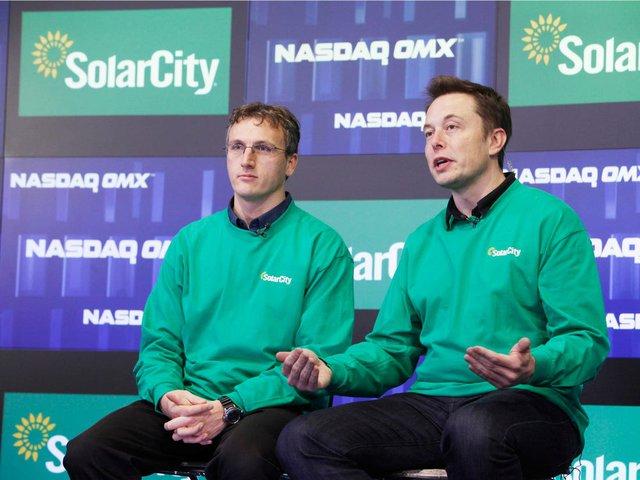 Những người khổng lồ trong gia đình Elon Musk: Cha sở hữu IQ ngang thiên tài, mẹ là siêu mẫu nổi tiếng, anh chị em đều là triệu phú đô la - Ảnh 5.