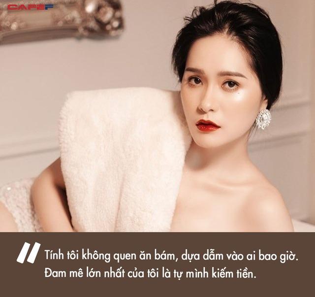 Em gái Lý Hải giàu có mức nào mà chịu chi 140 tỷ VNĐ để mời NTK Thái Công tân trang nhà: Được chồng đại gia chiều không tiếc thứ gì, biệt thự lộng lẫy như cung điện - Ảnh 13.