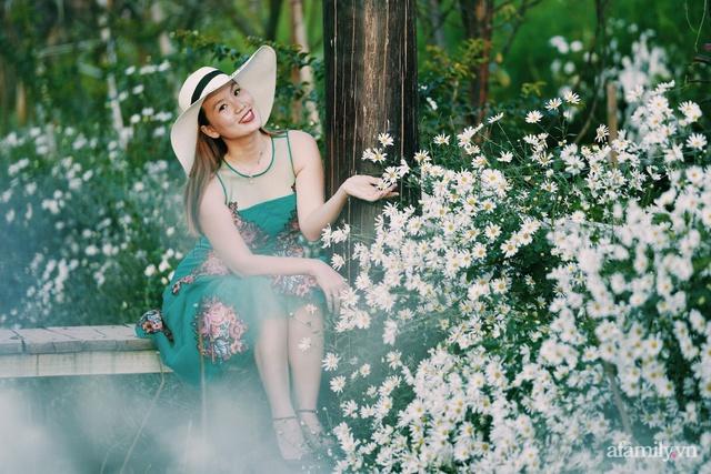 Thú chơi gốm của mẹ đảm Hà Nội: Đi săn lùng từng chiếc để ghép thành một bộ, có những bộ được trả giá hàng chục triệu - Ảnh 1.