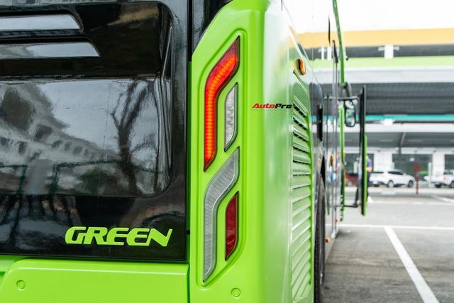 bus12-16178541274701729783418.jpg