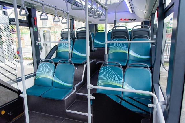 bus2-16178541277011572587388.jpg