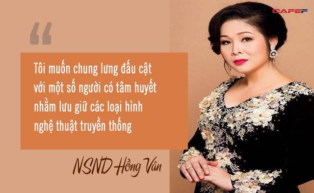 """NSND Hồng Vân: Nữ tướng làng kịch và cuộc hôn nhân bền bỉ với """"tình đầu"""", gương mặt tin dùng của các chương trình hôn nhân gia đình - Ảnh 3."""
