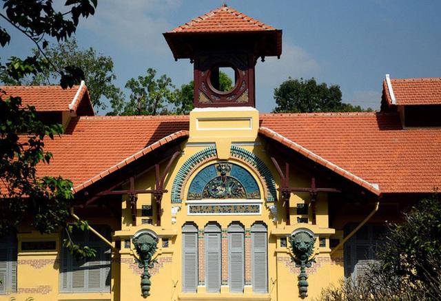 5 ngôi trường cổ kính tại Việt Nam, bước vào cứ ngỡ như đang sống trong lâu đài giữa trời Âu: Không con nhà giàu thì cũng toàn nhân tài ưu tú mới có suất học - Ảnh 16.