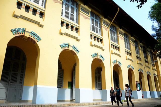 5 ngôi trường cổ kính tại Việt Nam, bước vào cứ ngỡ như đang sống trong lâu đài giữa trời Âu: Không con nhà giàu thì cũng toàn nhân tài ưu tú mới có suất học - Ảnh 17.