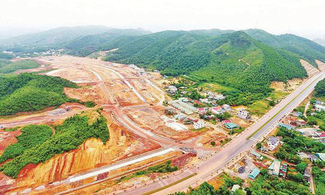 Vân Đồn (Quảng Ninh): Cấm cán bộ buôn bán, môi giới và tiếp tay cho đầu cơ đất đai  - Ảnh 1.