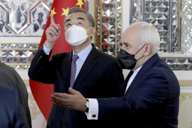Rồng Trung Quốc giương vuốt ở Trung Đông: Vành đai, Con đường hồi sinh và thông điệp đanh thép gửi Mỹ - Ảnh 2.