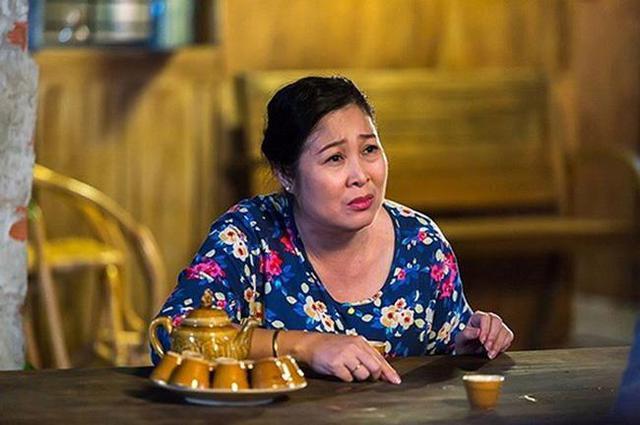 """NSND Hồng Vân: Nữ tướng làng kịch và cuộc hôn nhân bền bỉ với """"tình đầu"""", gương mặt tin dùng của các chương trình hôn nhân gia đình - Ảnh 4."""
