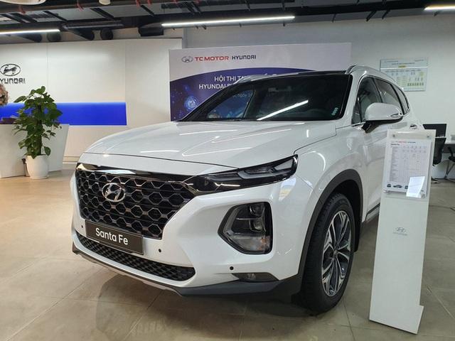 Hyundai Santa Fe giảm giá cao nhất 120 triệu đồng, tăng sức ép lên Kia Sorento - Ảnh 3.
